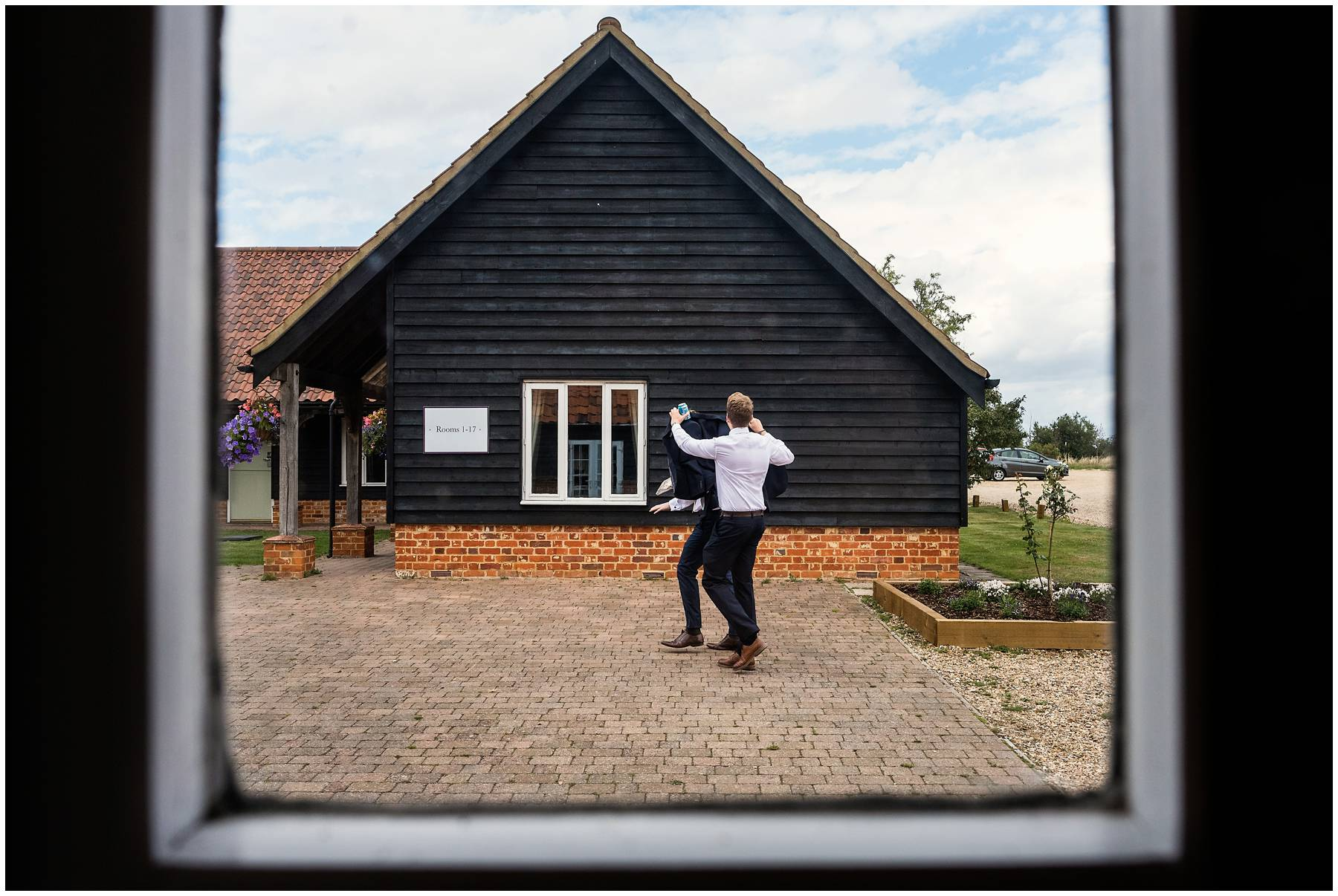 Reportage Wedding Photographer at Vaulty Manor